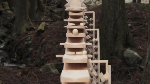 Hokkaido-Show-Gardens-–-Japan-Garden-of-Sound-Giant-Rectilinear-Xylophone-4