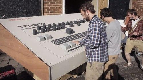 Roland 909 drum big.jpg